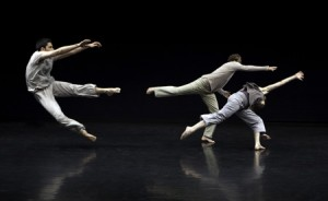 Doug Varone and Dancers. Photo by Cylla von Tiedemann.